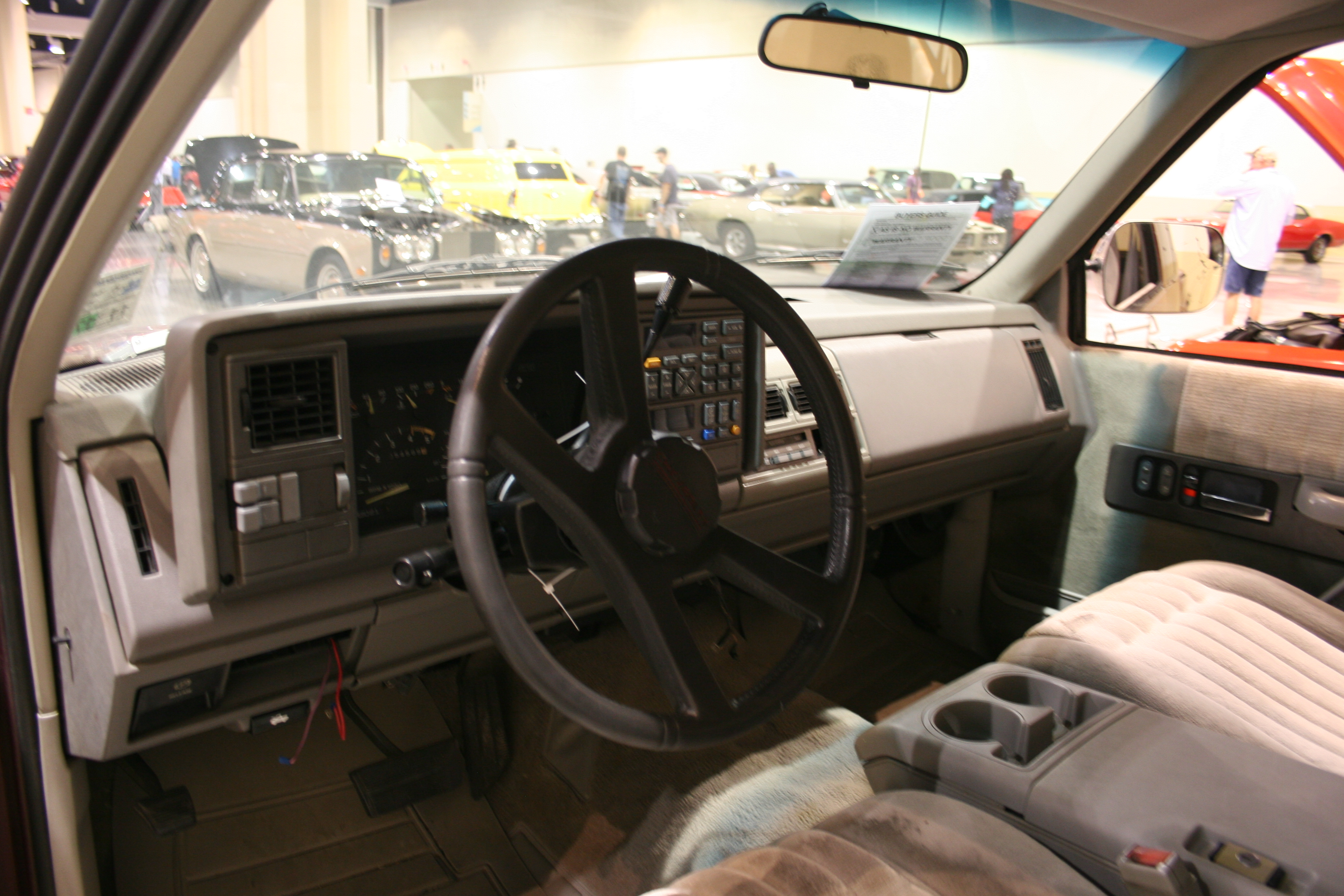 4th Image of a 1993 CHEVROLET C1500