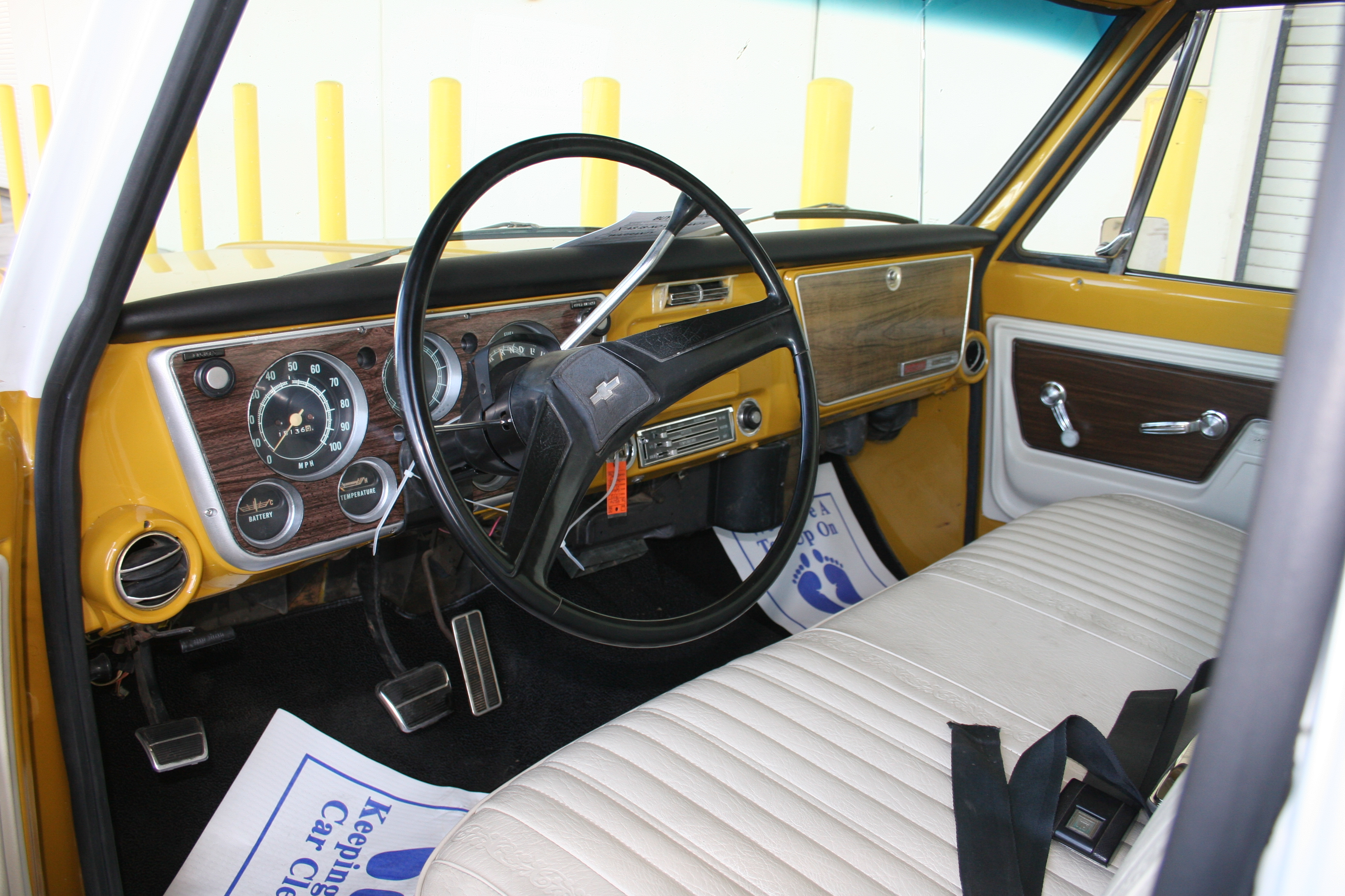 3rd Image of a 1972 CHEVROLET C10