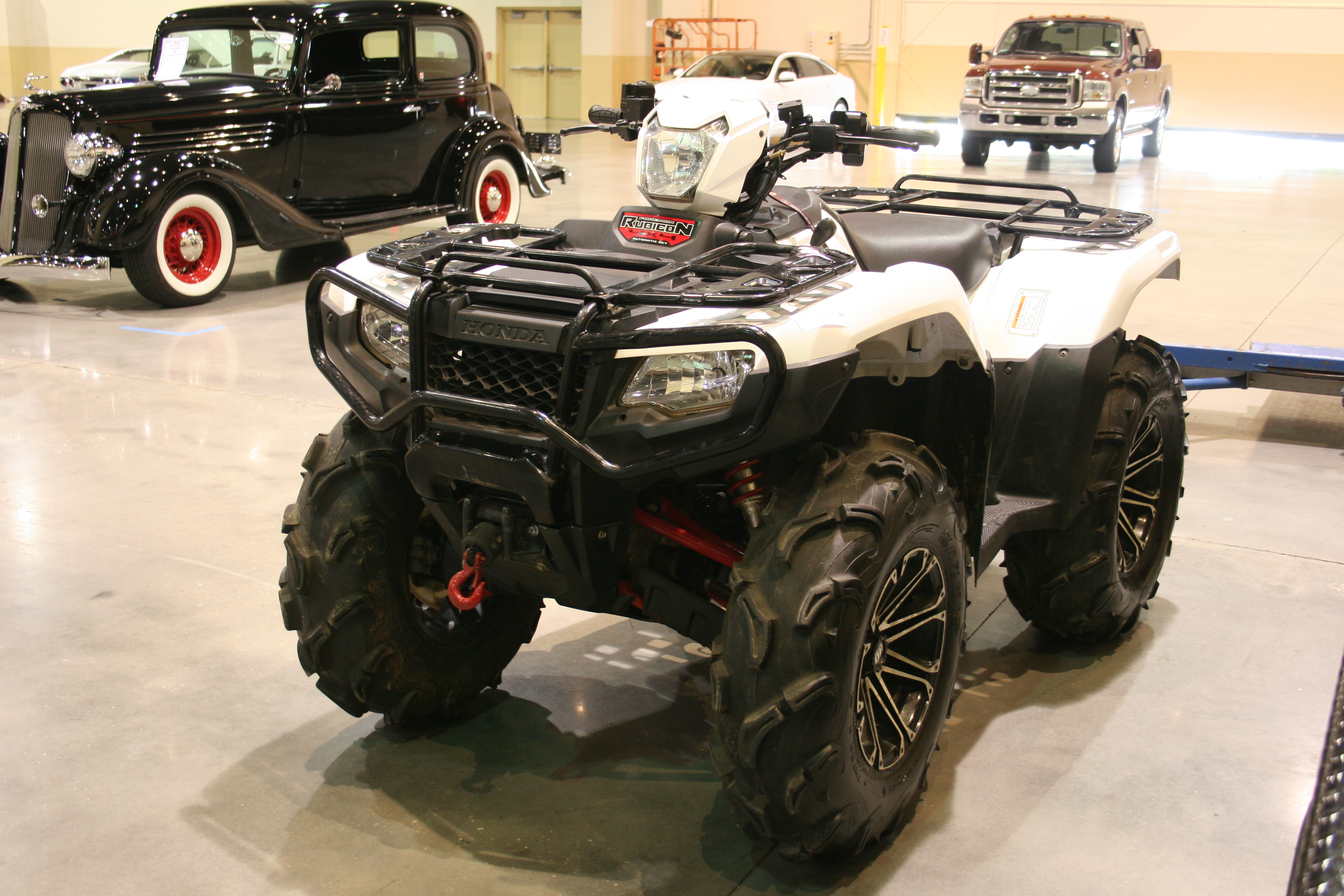 2nd Image of a 2016 HONDA FOREMAN RUBICON