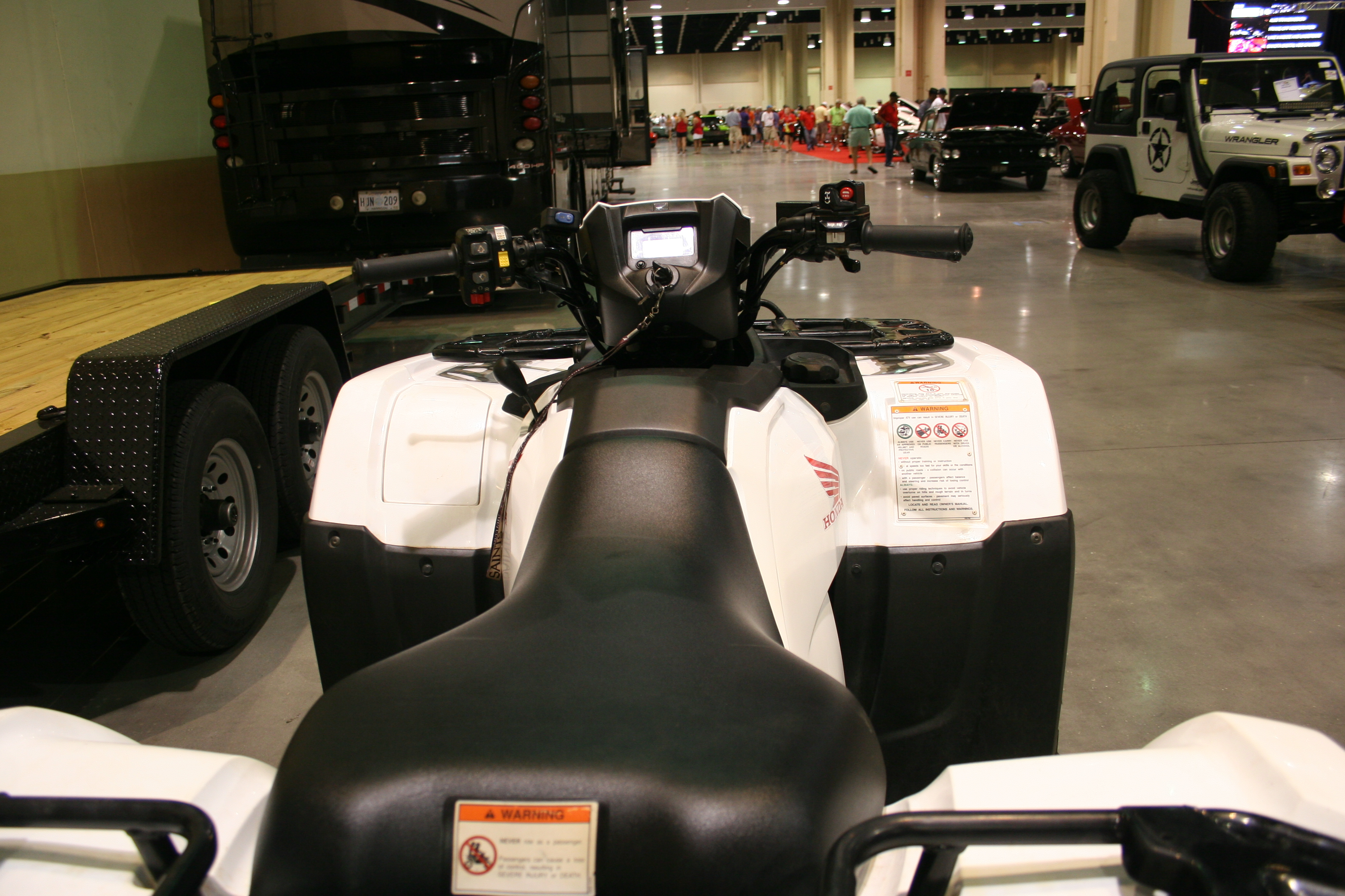 4th Image of a 2016 HONDA FOREMAN RUBICON