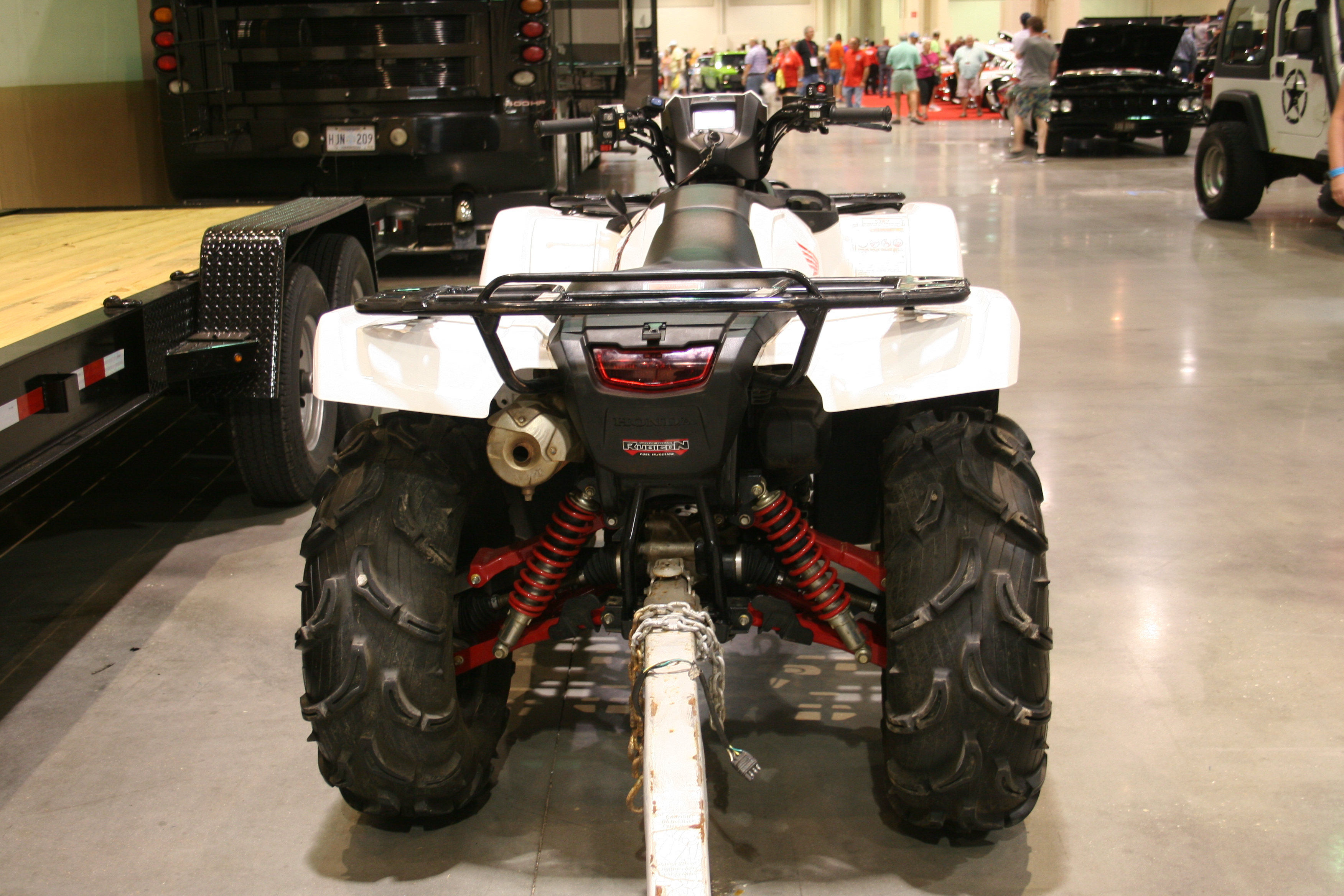 5th Image of a 2016 HONDA FOREMAN RUBICON