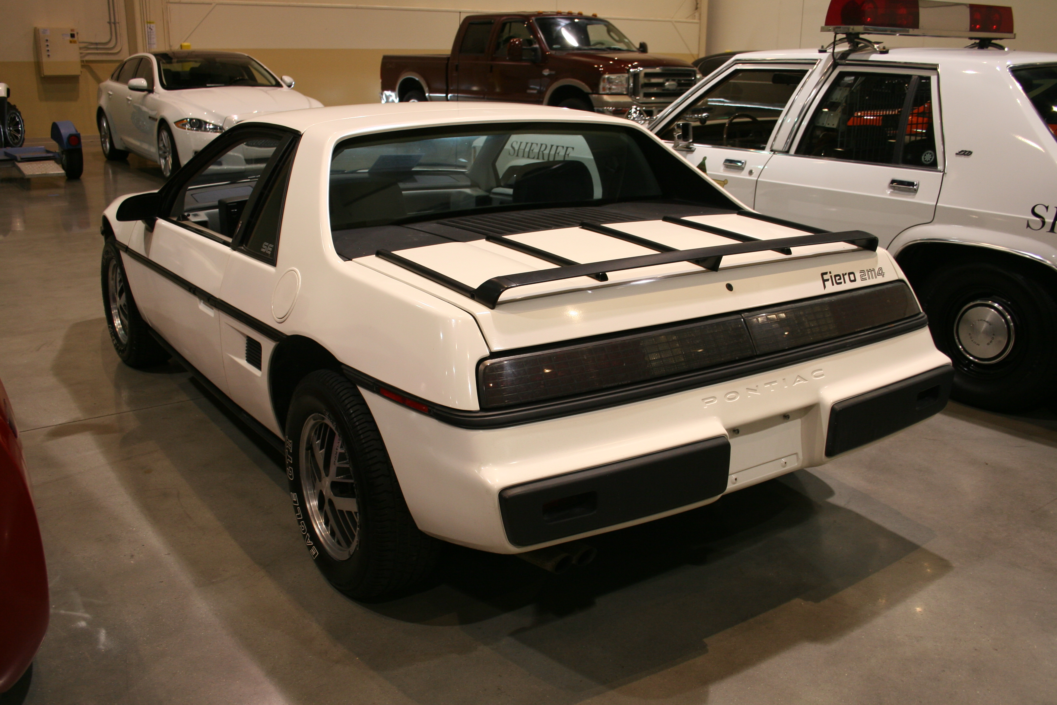 6th Image of a 1984 PONTIAC FIERO SE