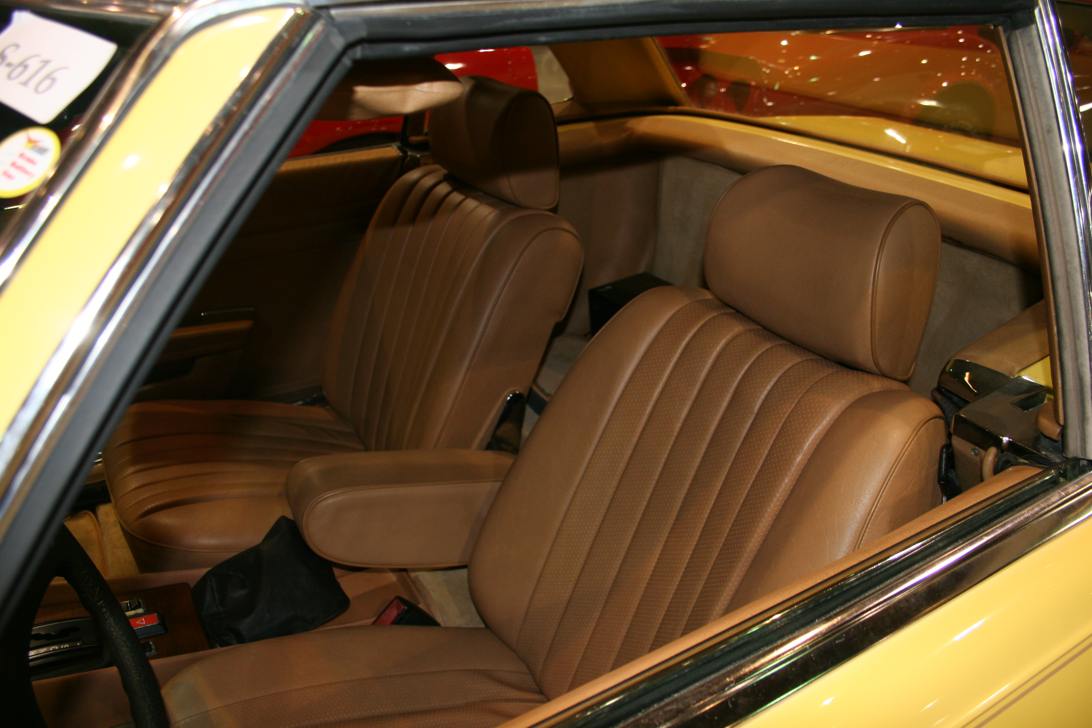3rd Image of a 1981 MERCEDES-BENZ 380SL