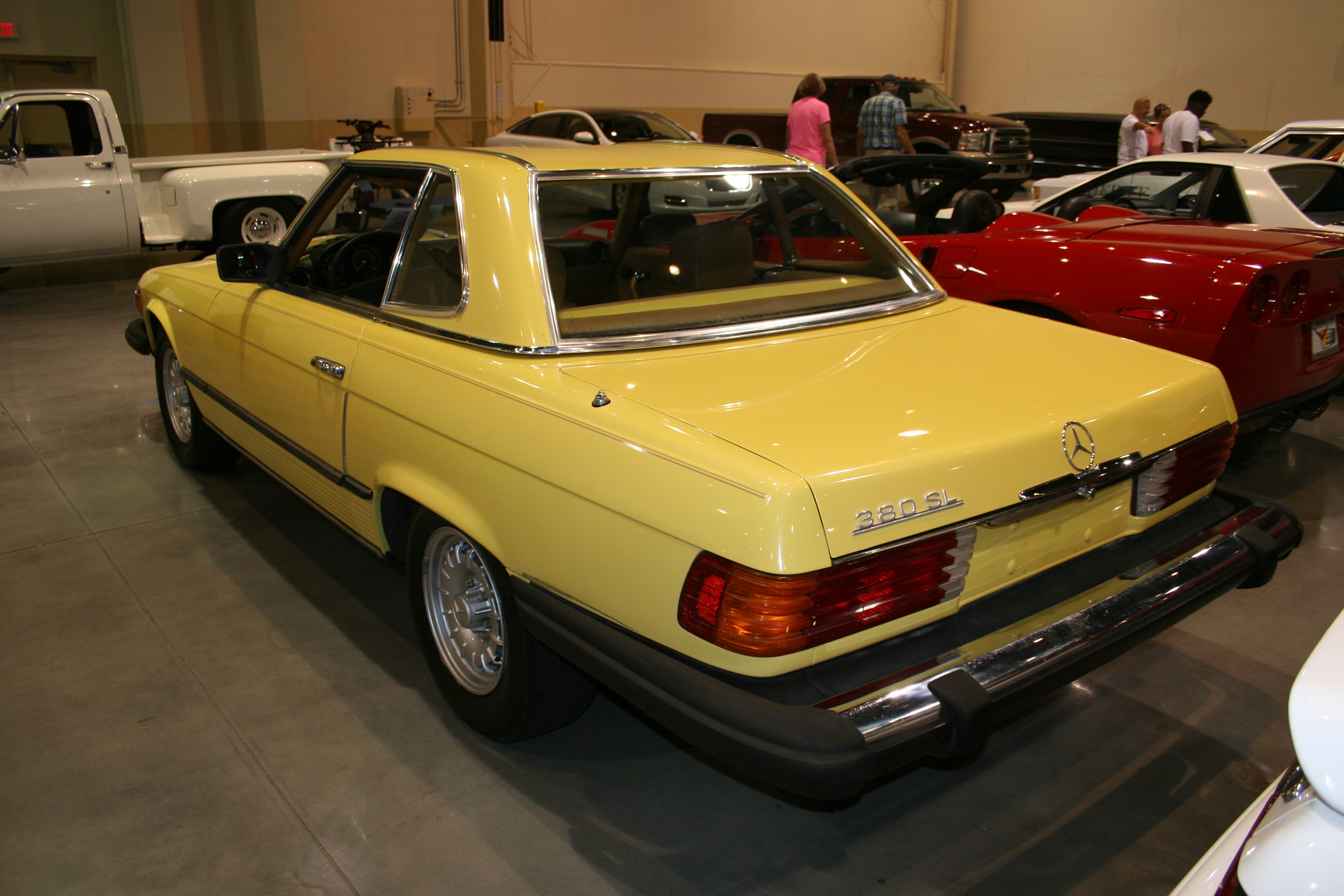 4th Image of a 1981 MERCEDES-BENZ 380SL