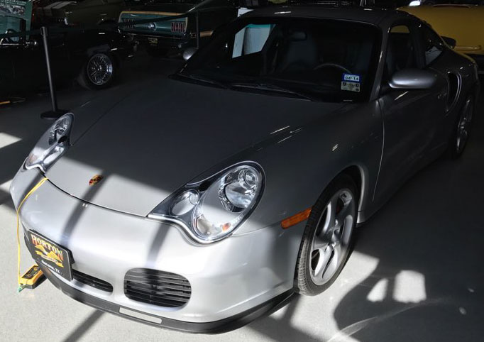 3rd Image of a 2002 PORSCHE 911 TURBO