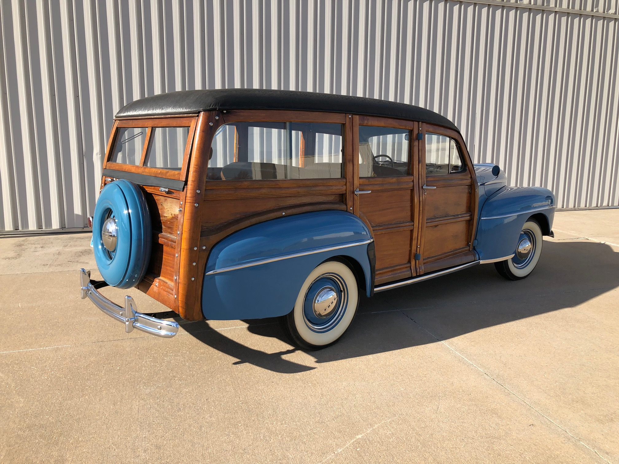 2nd Image of a 1947 FORD SUPER DELUXE WOODY