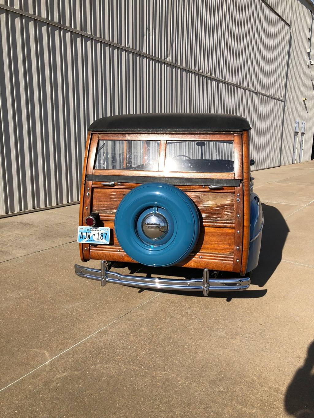 5th Image of a 1947 FORD SUPER DELUXE WOODY