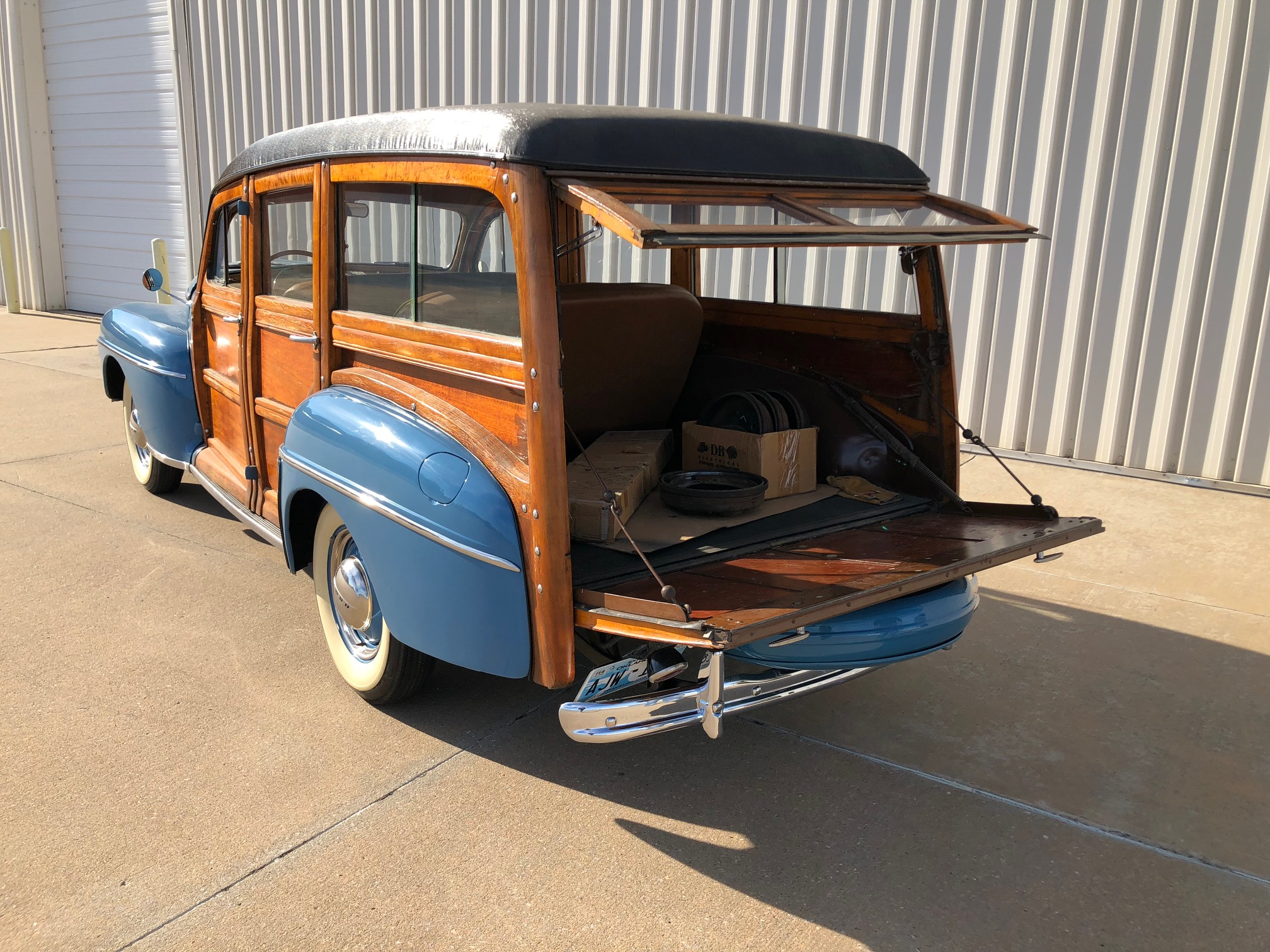 14th Image of a 1947 FORD SUPER DELUXE WOODY