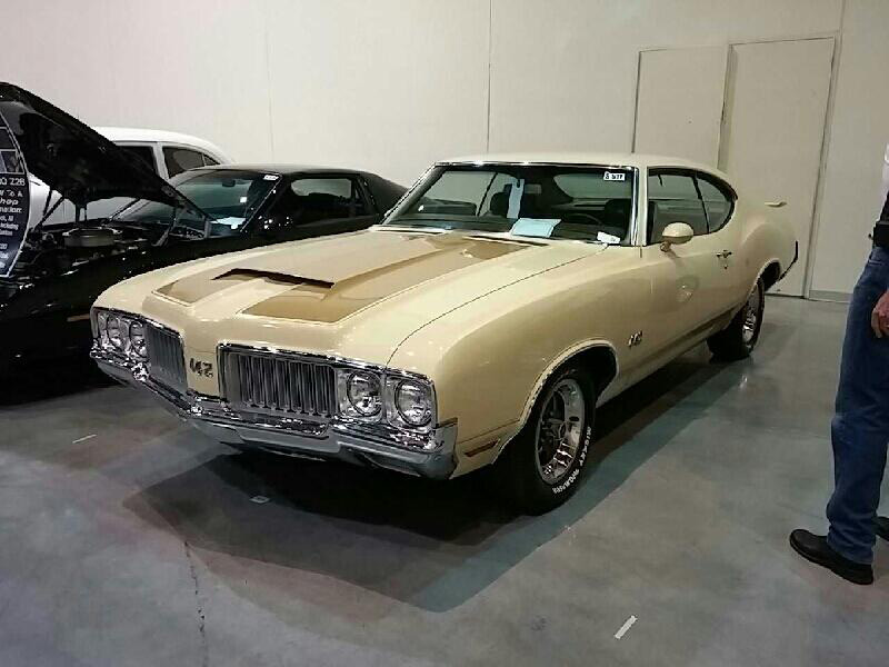3rd Image of a 1970 OLDSMOBILE 442