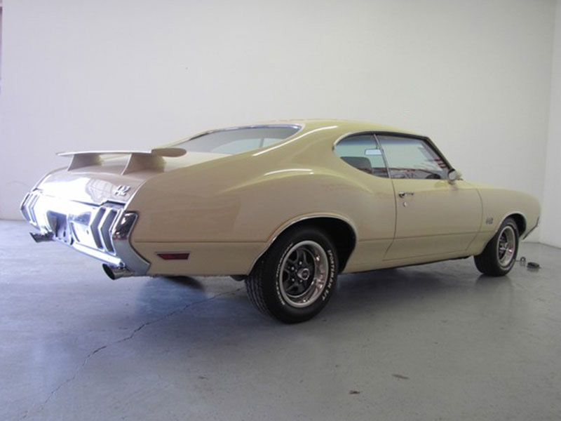 4th Image of a 1970 OLDSMOBILE 442
