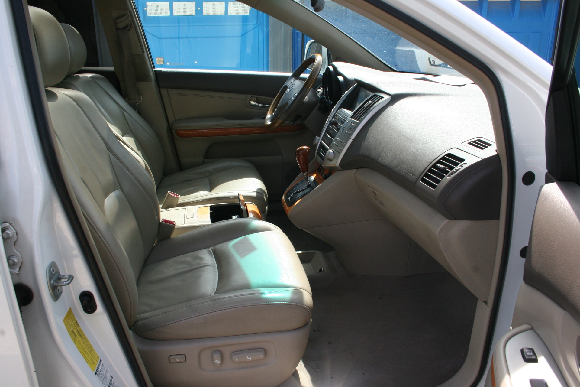 7th Image of a 2007 LEXUS RX 350