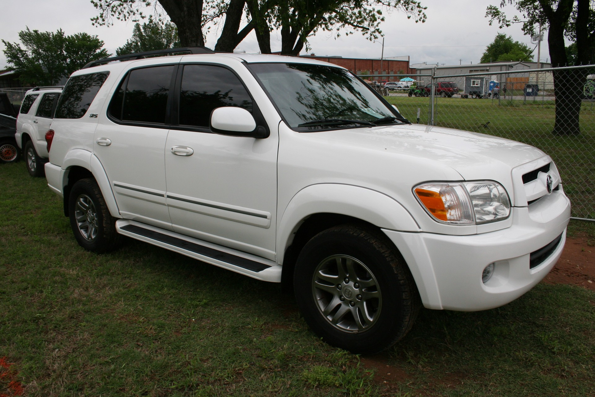 3rd Image of a 2007 TOYOTA SEQUOIA