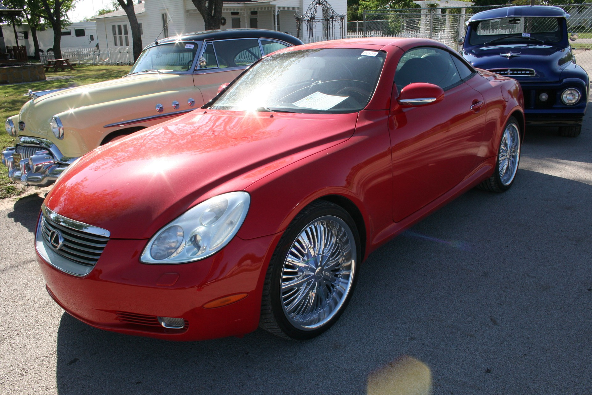 2nd Image of a 2002 LEXUS SC 430