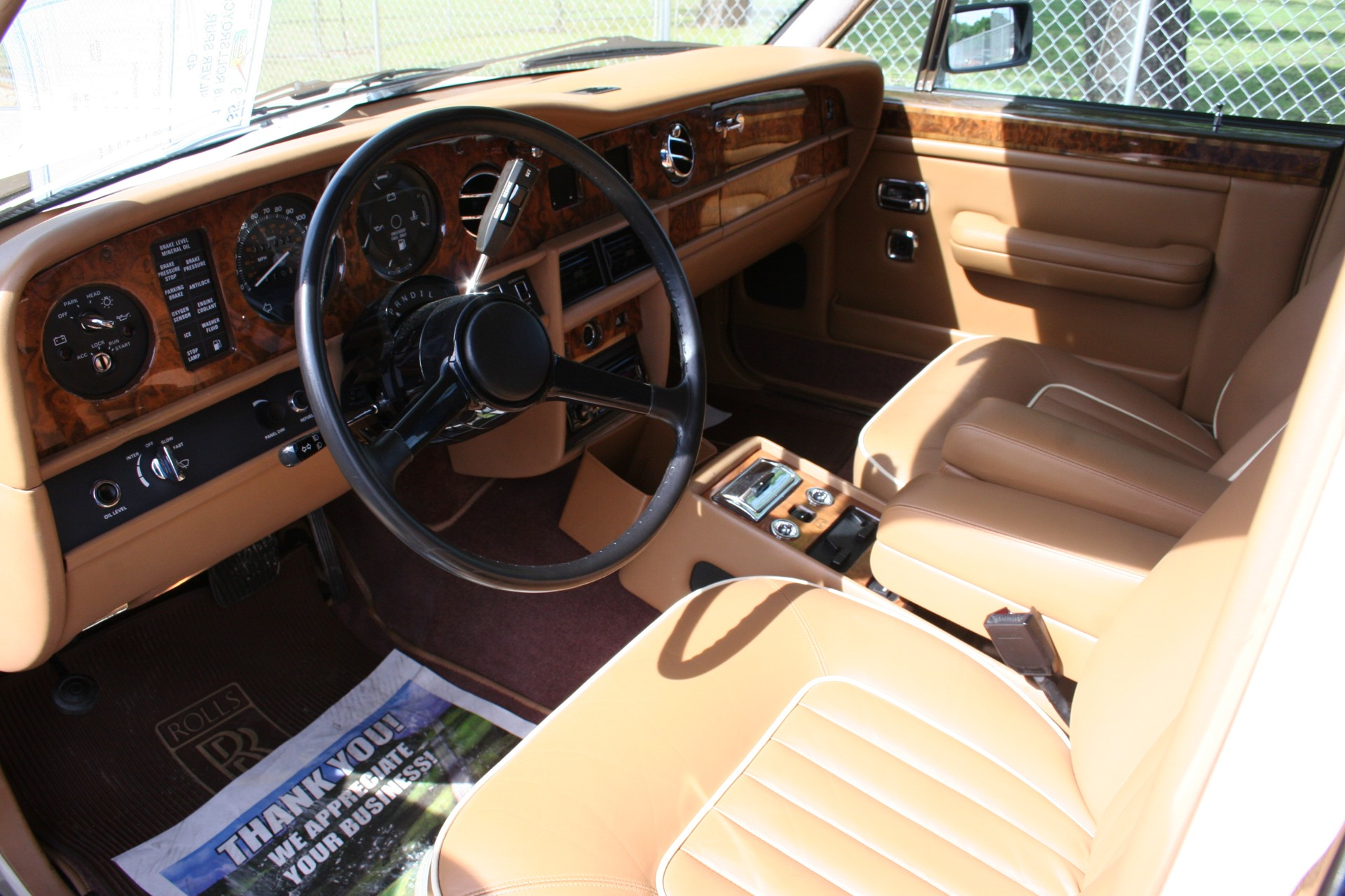 3rd Image of a 1988 ROLLSROYCE SILVER SPUR