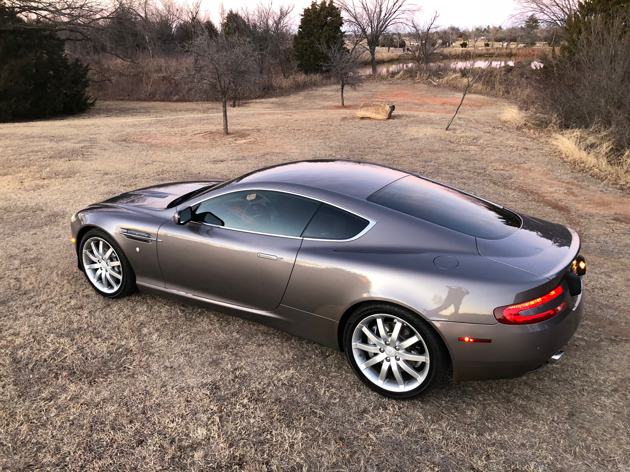 2nd Image of a 2005 ASTON MARTIN DB9