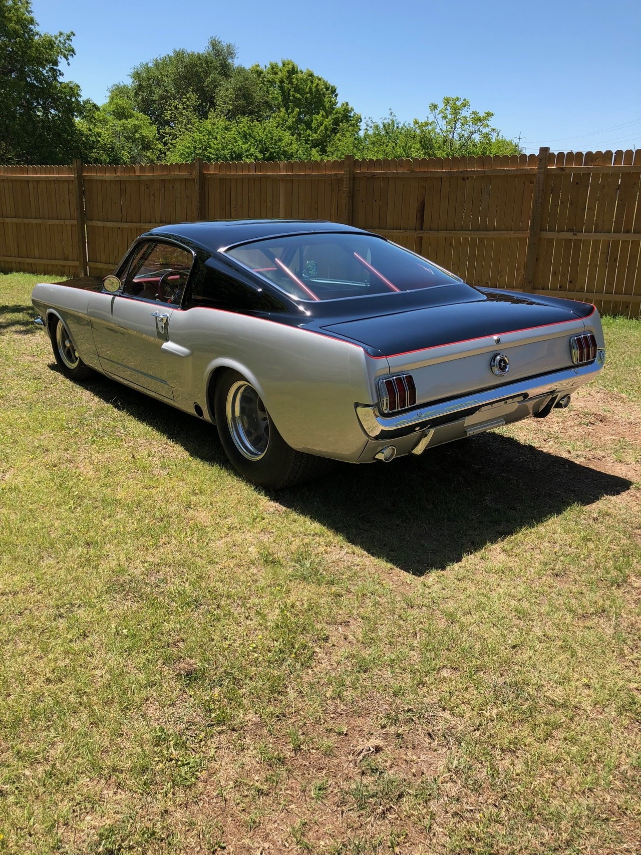 2nd Image of a 1966 FORD MUSTANG FASTBACK