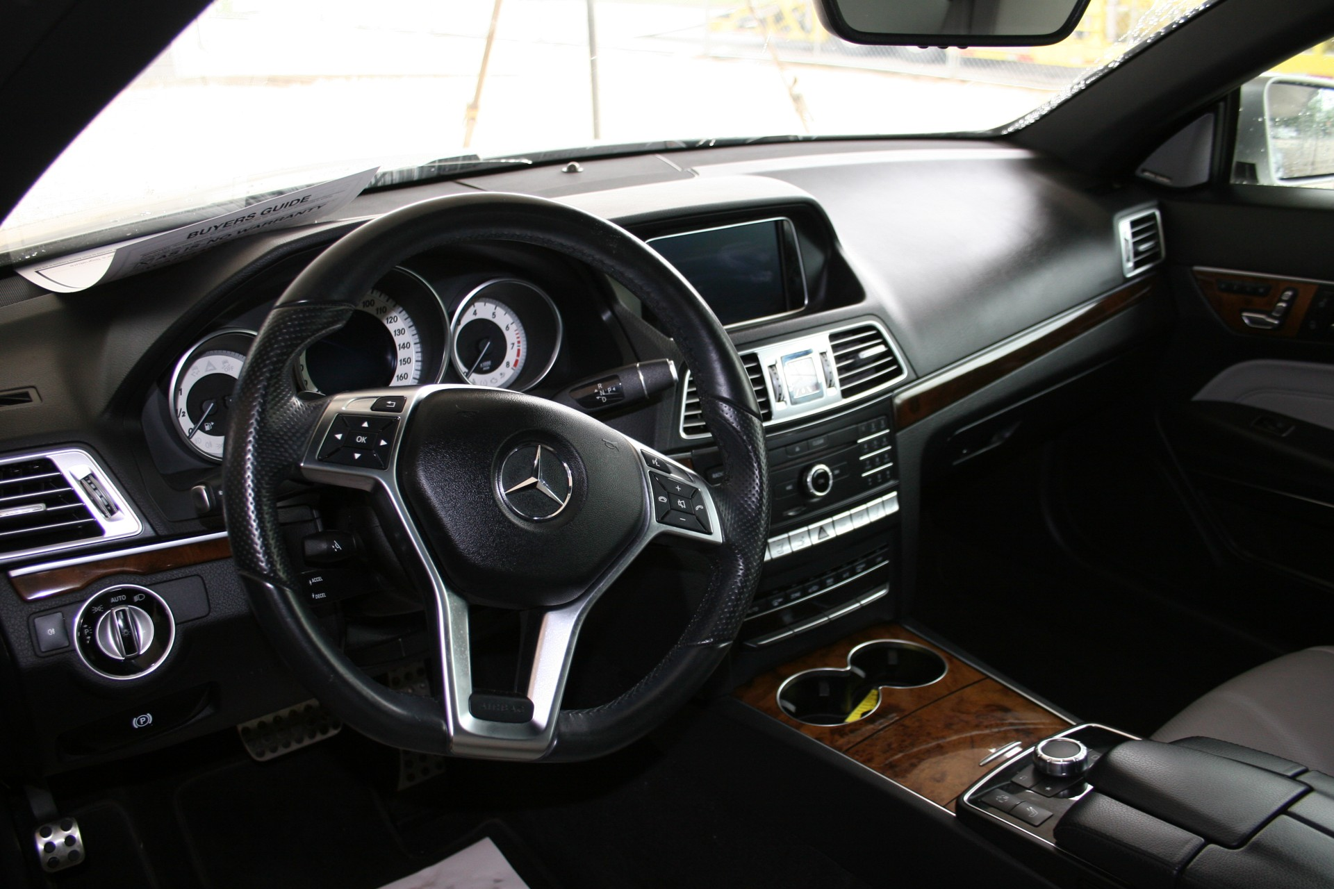 4th Image of a 2016 MERCEDES-BENZ E-CLASS E400
