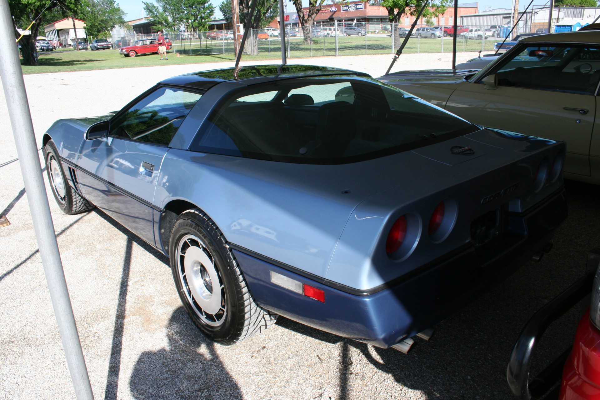 4th Image of a 1985 CHEVROLET CORVETTE