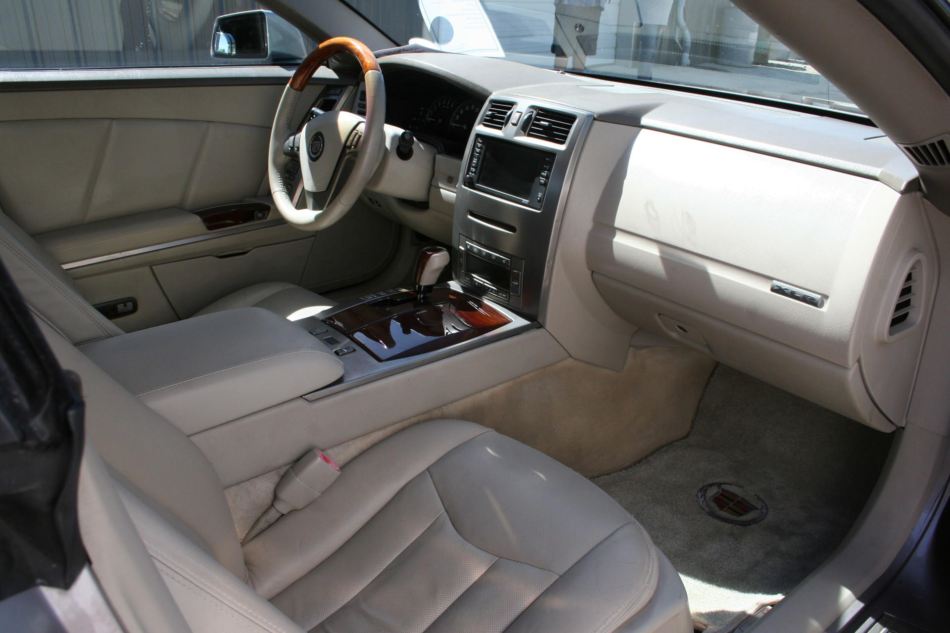 7th Image of a 2005 CADILLAC XLR ROADSTER