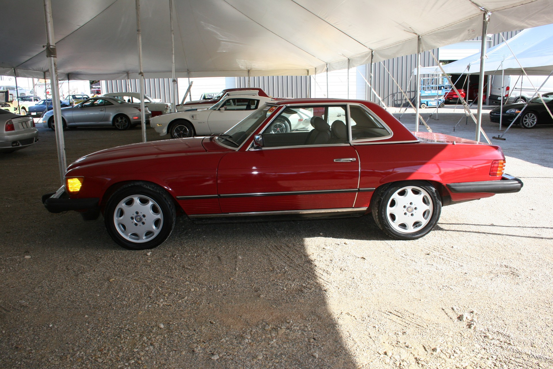 3rd Image of a 1982 MERCEDES-BENZ 380 380SL
