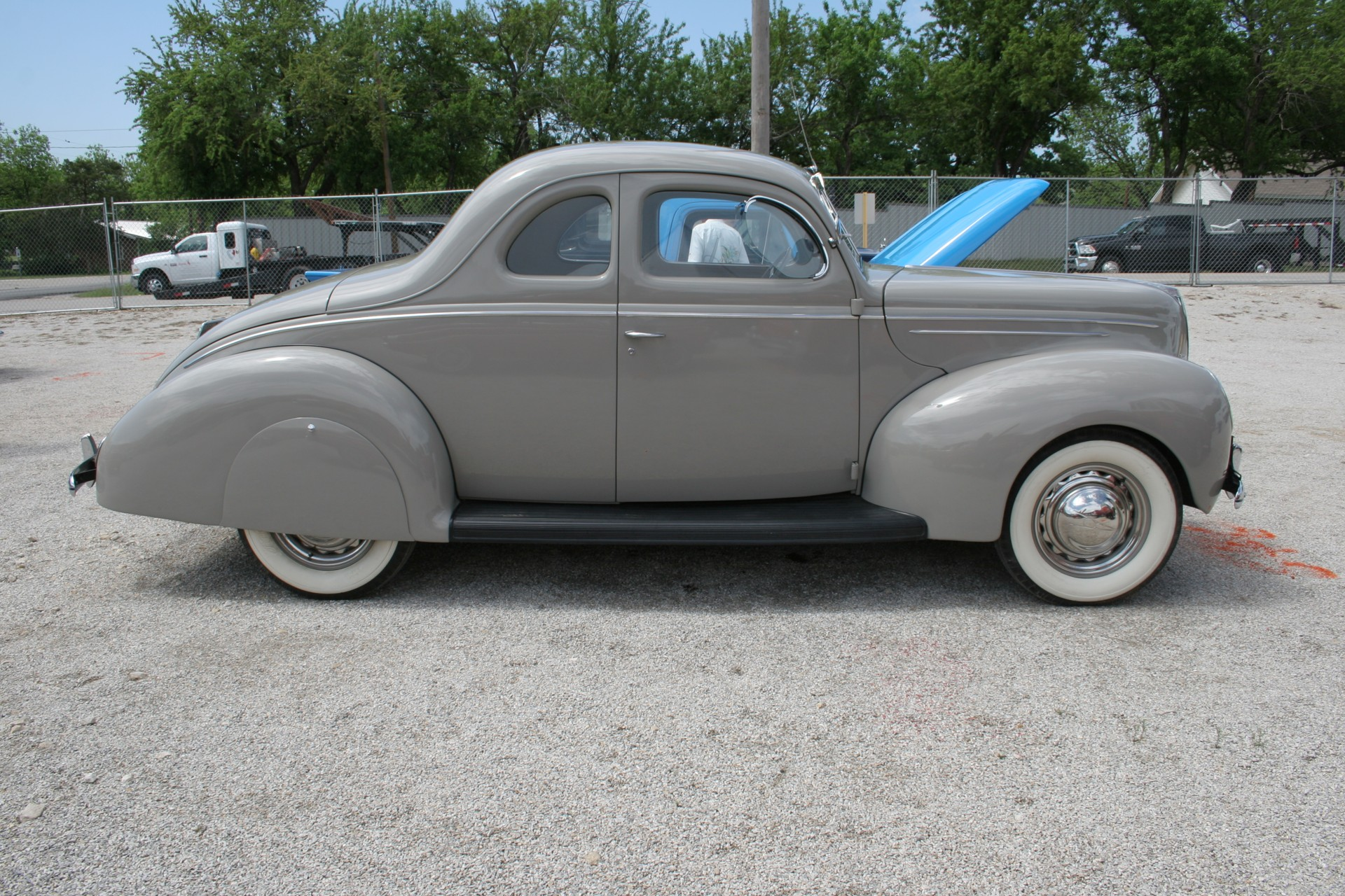 3rd Image of a 1939 FORD DELUX COUPE