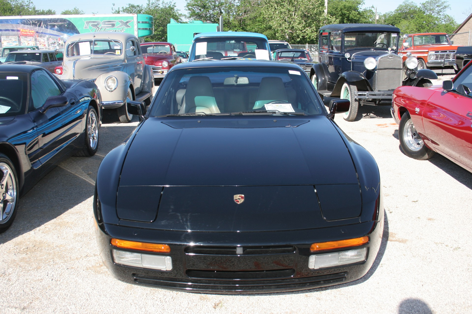 1st Image of a 1988 PORSCHE 944 TURBO
