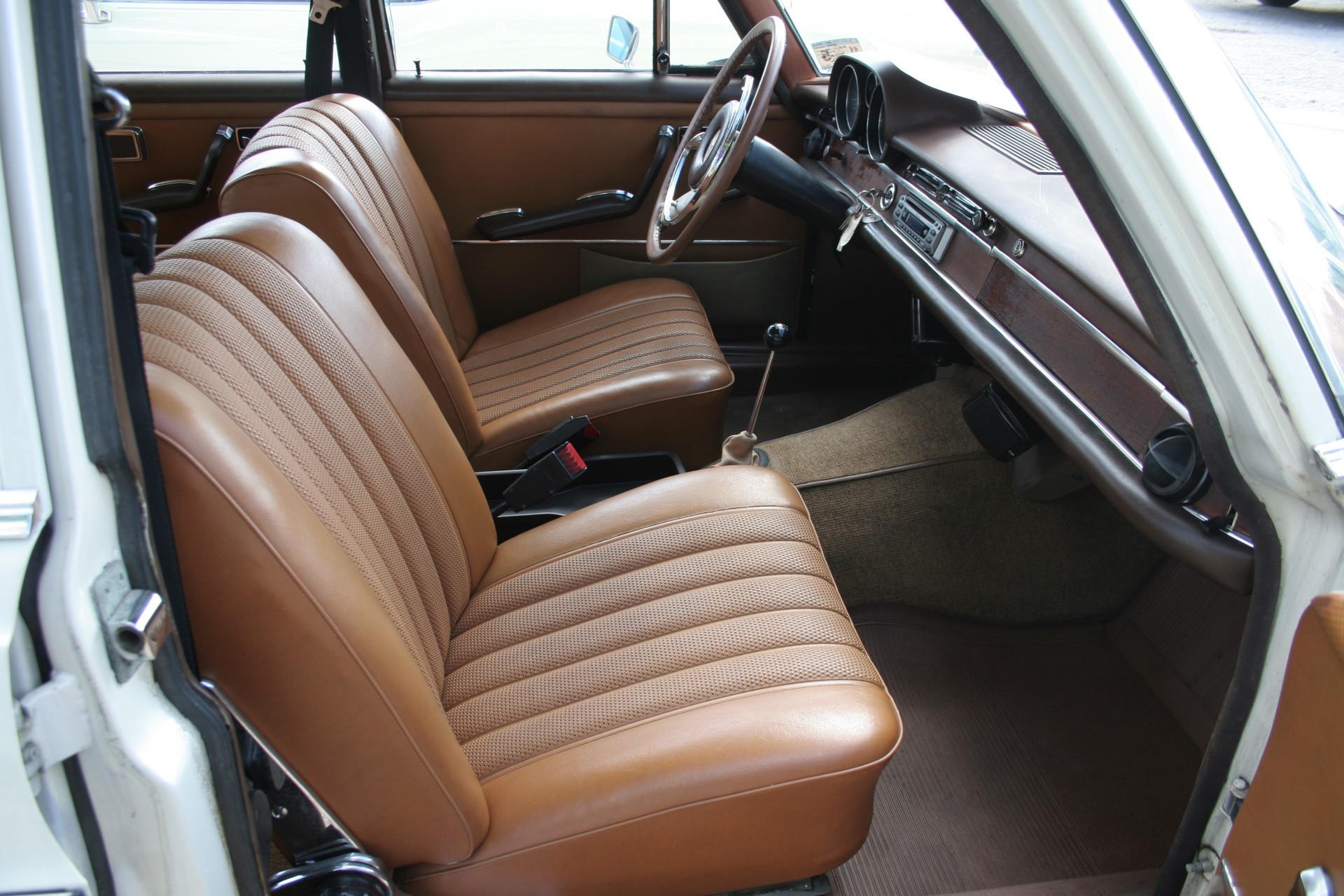 9th Image of a 1966 MERCEDES BENZ 250SE