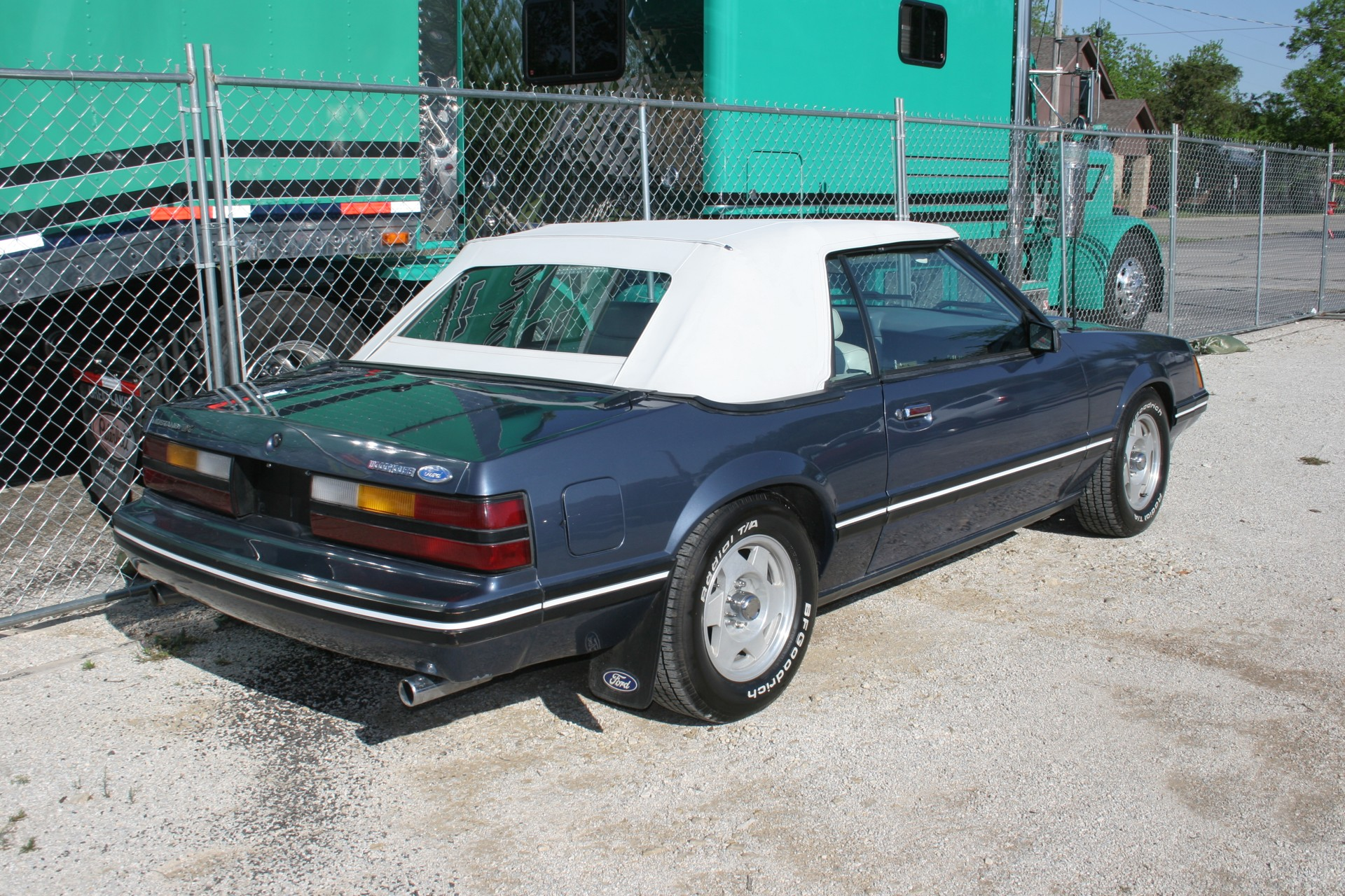 4th Image of a 1984 FORD MUSTANG LX