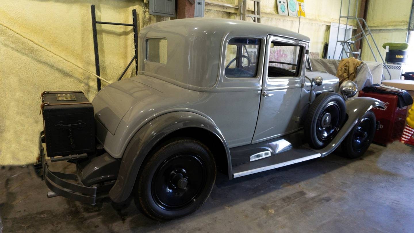 2nd Image of a 1928 HUPMOBILE COUPE