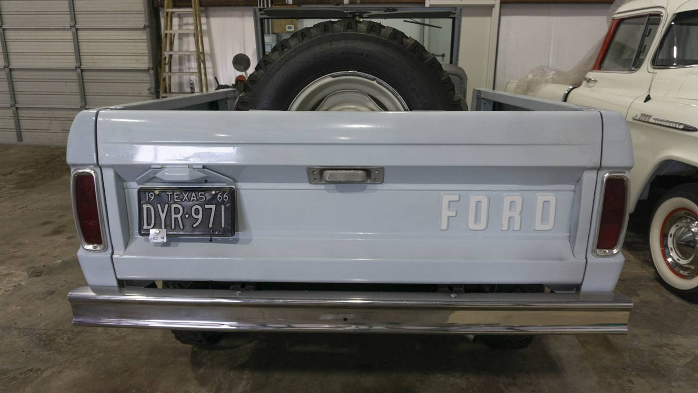 2nd Image of a 1966 FORD BRONCO UTE