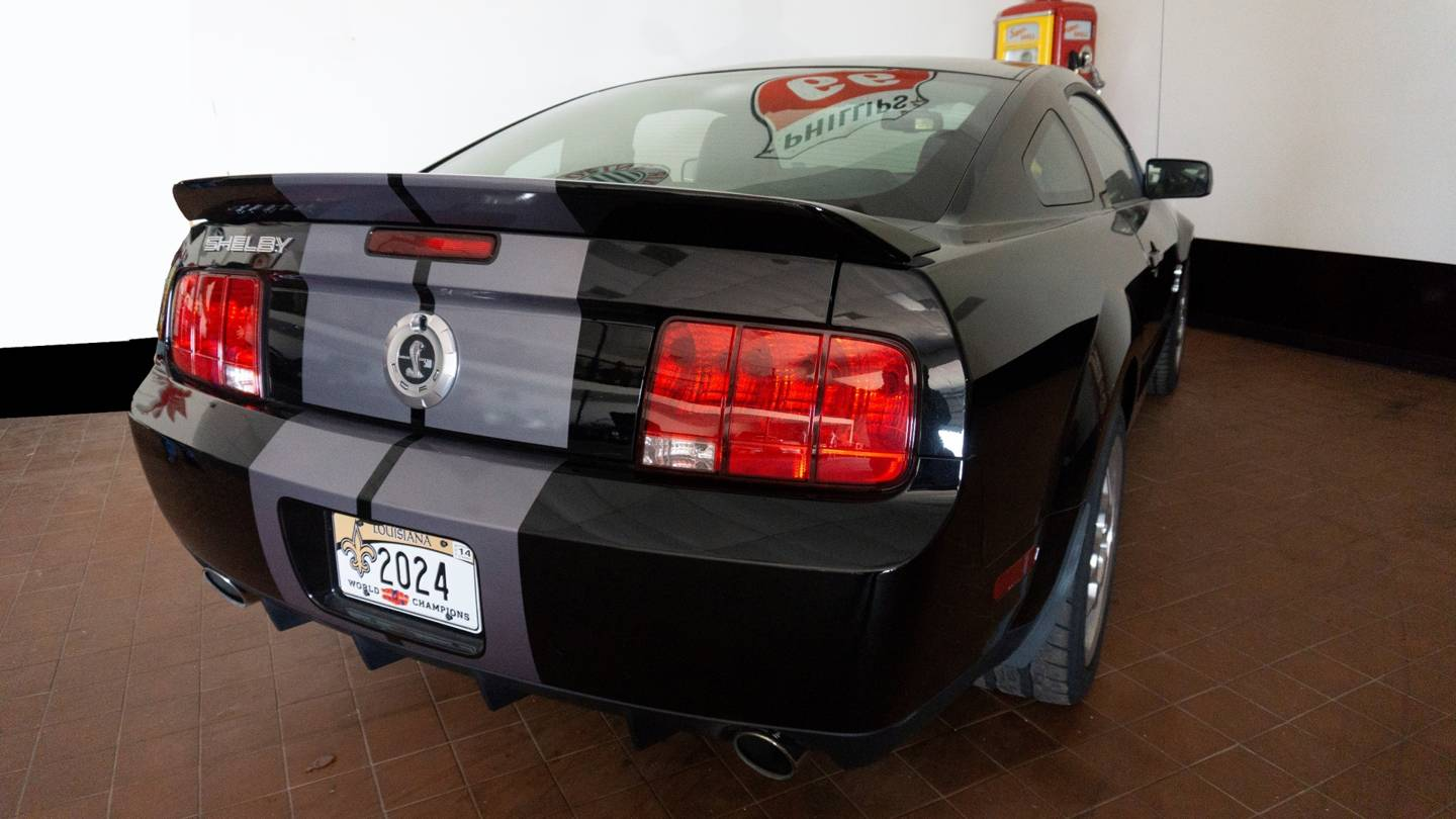 3rd Image of a 2007 FORD SHELBY