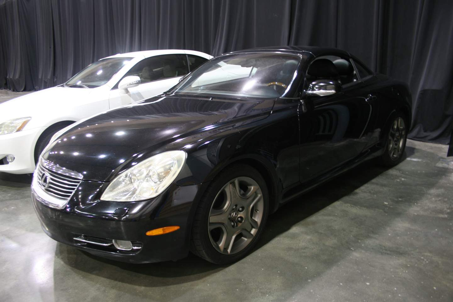 2nd Image of a 2008 LEXUS SC 430