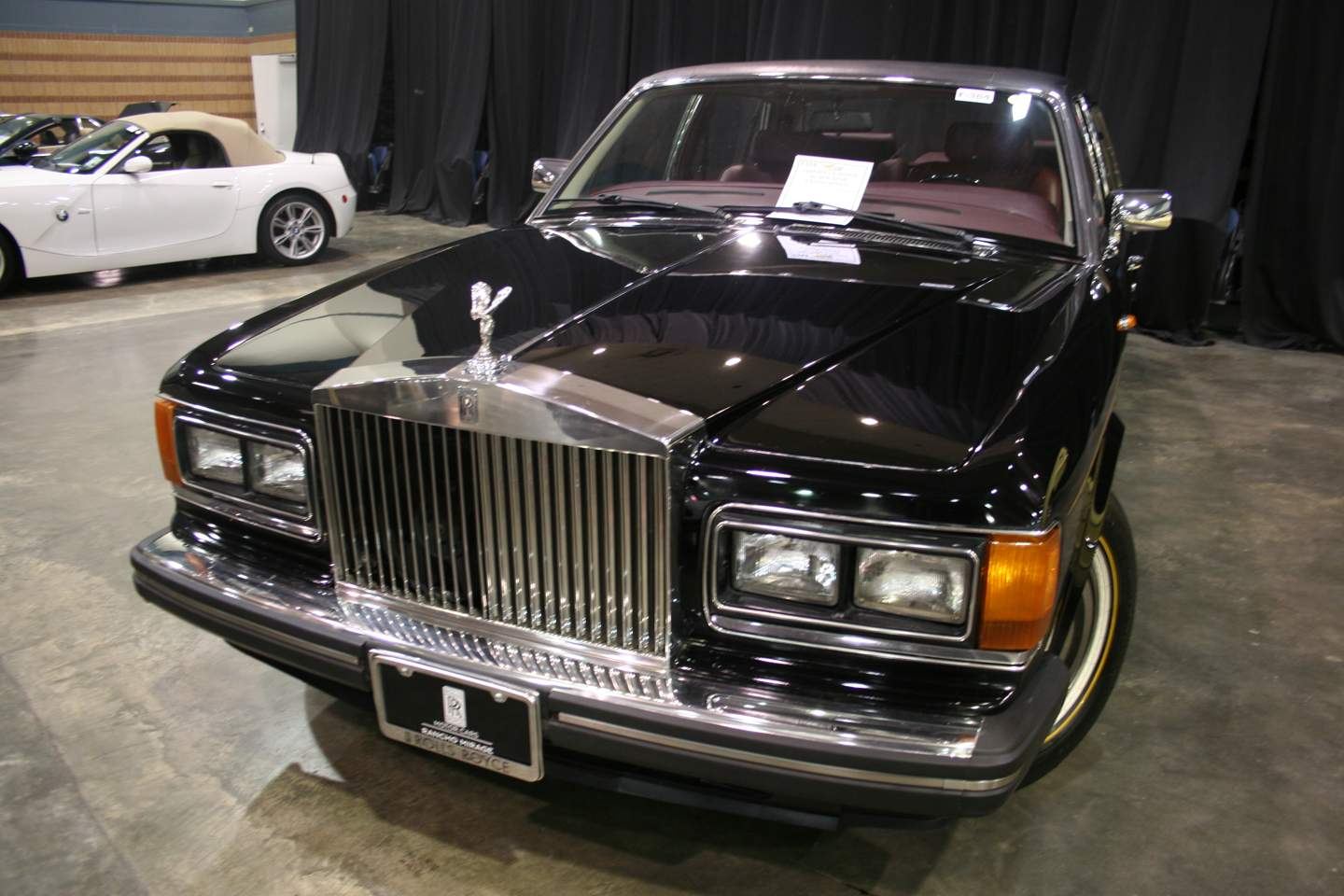 2nd Image of a 1988 ROLLS ROYCE SILVER SPUR