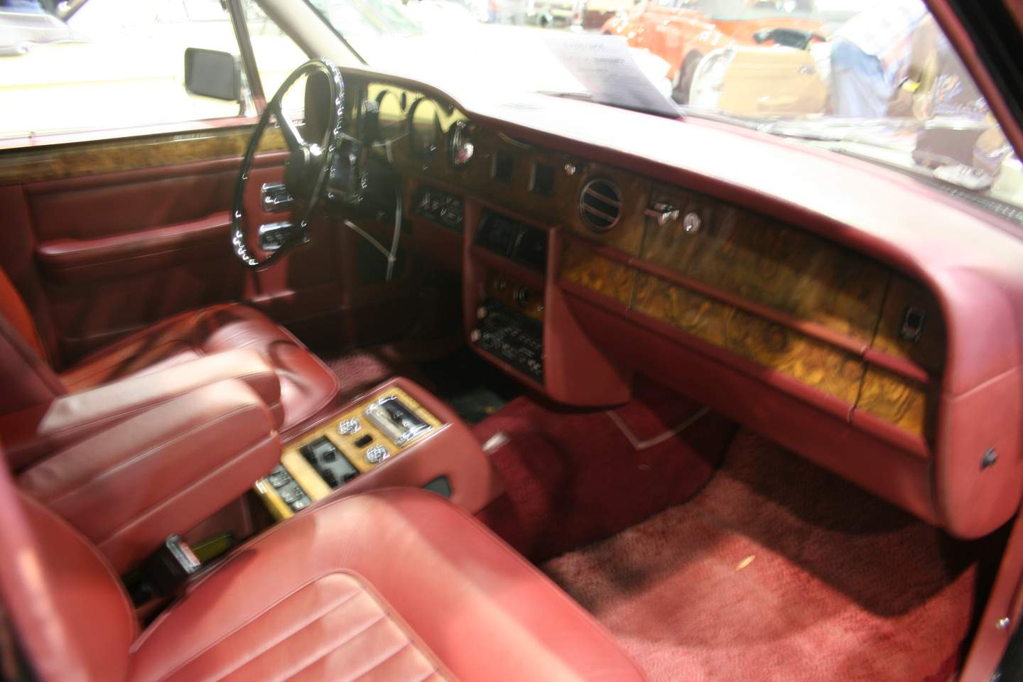 7th Image of a 1988 ROLLS ROYCE SILVER SPUR