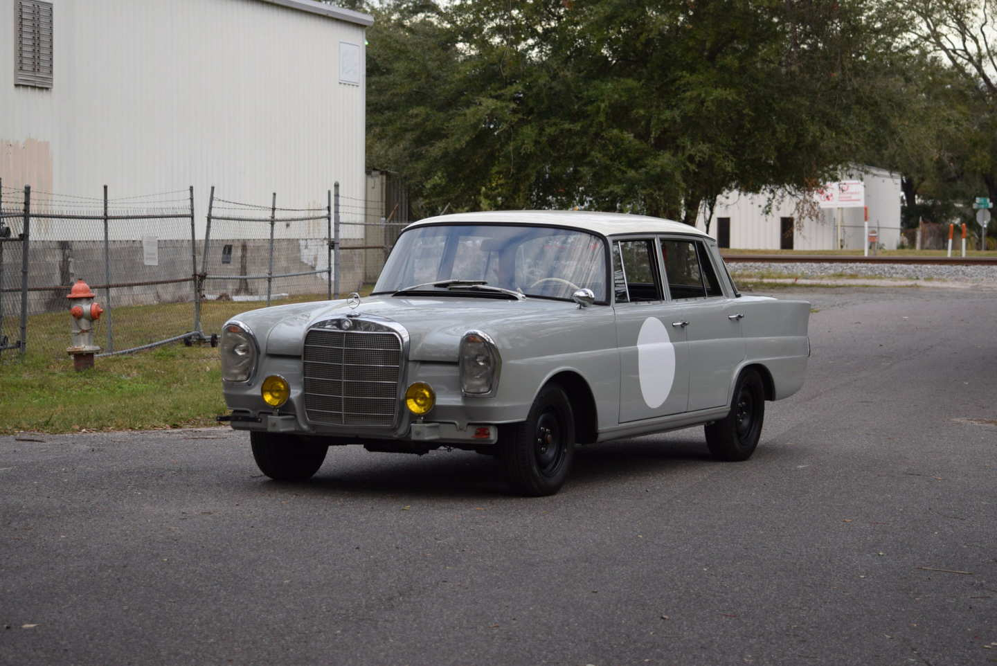 2nd Image of a 1960 MERCEDES 220