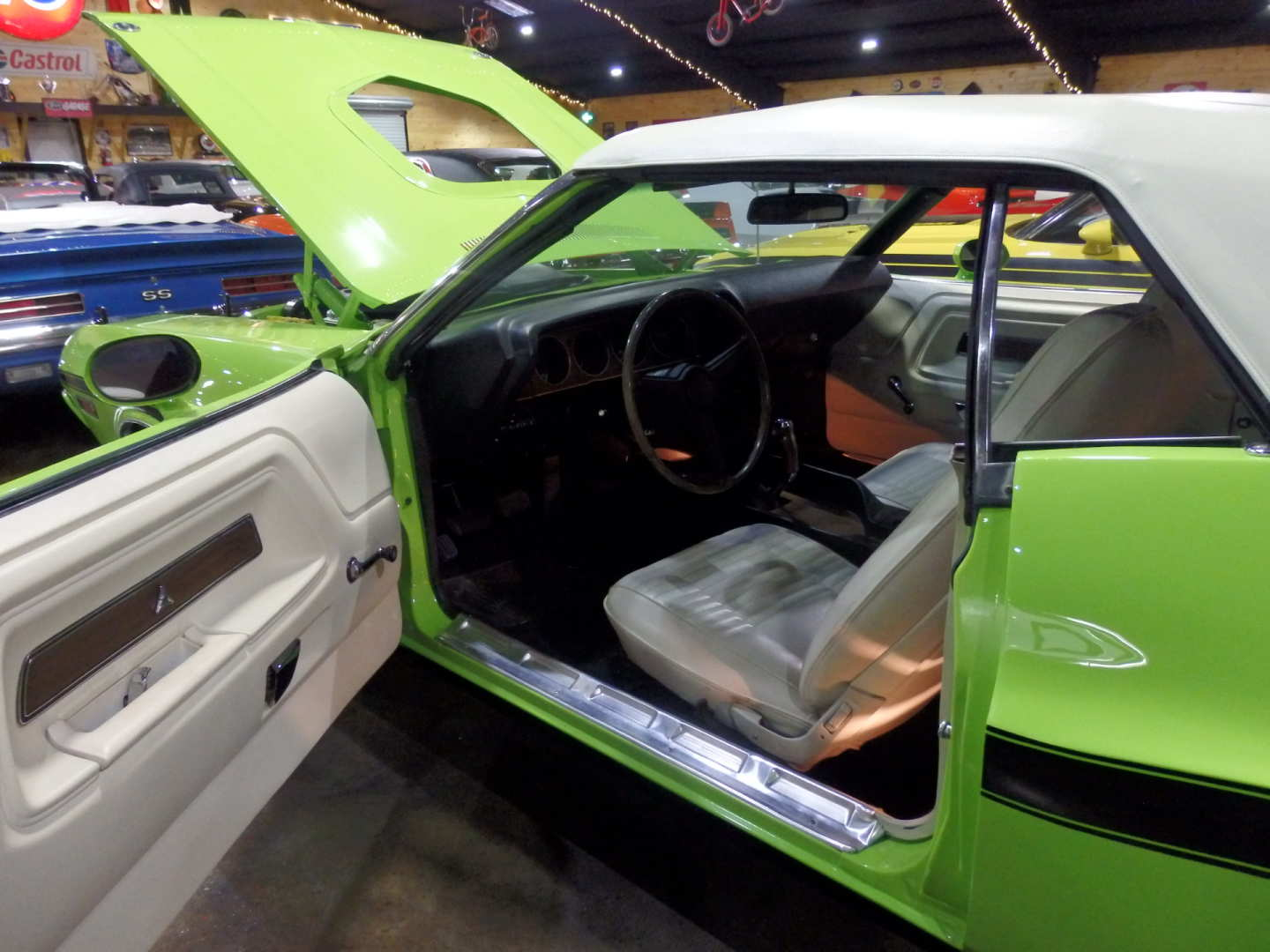 4th Image of a 1970 DODGE CHALLENGER