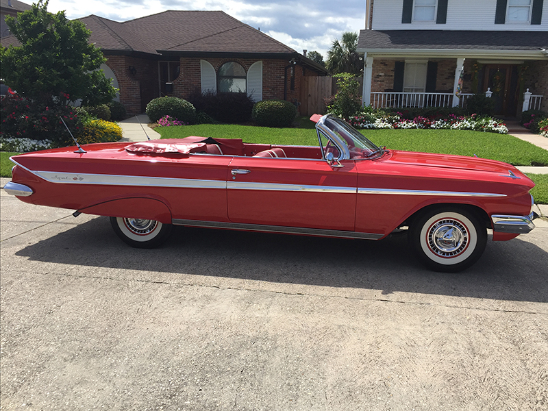 3rd Image of a 1961 CHEVROLET IMPALA