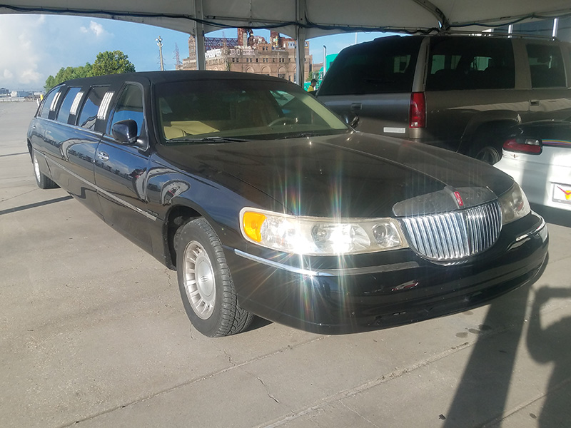 1998 Lincoln Town Car Executive For Sale At Vicari Auctions New