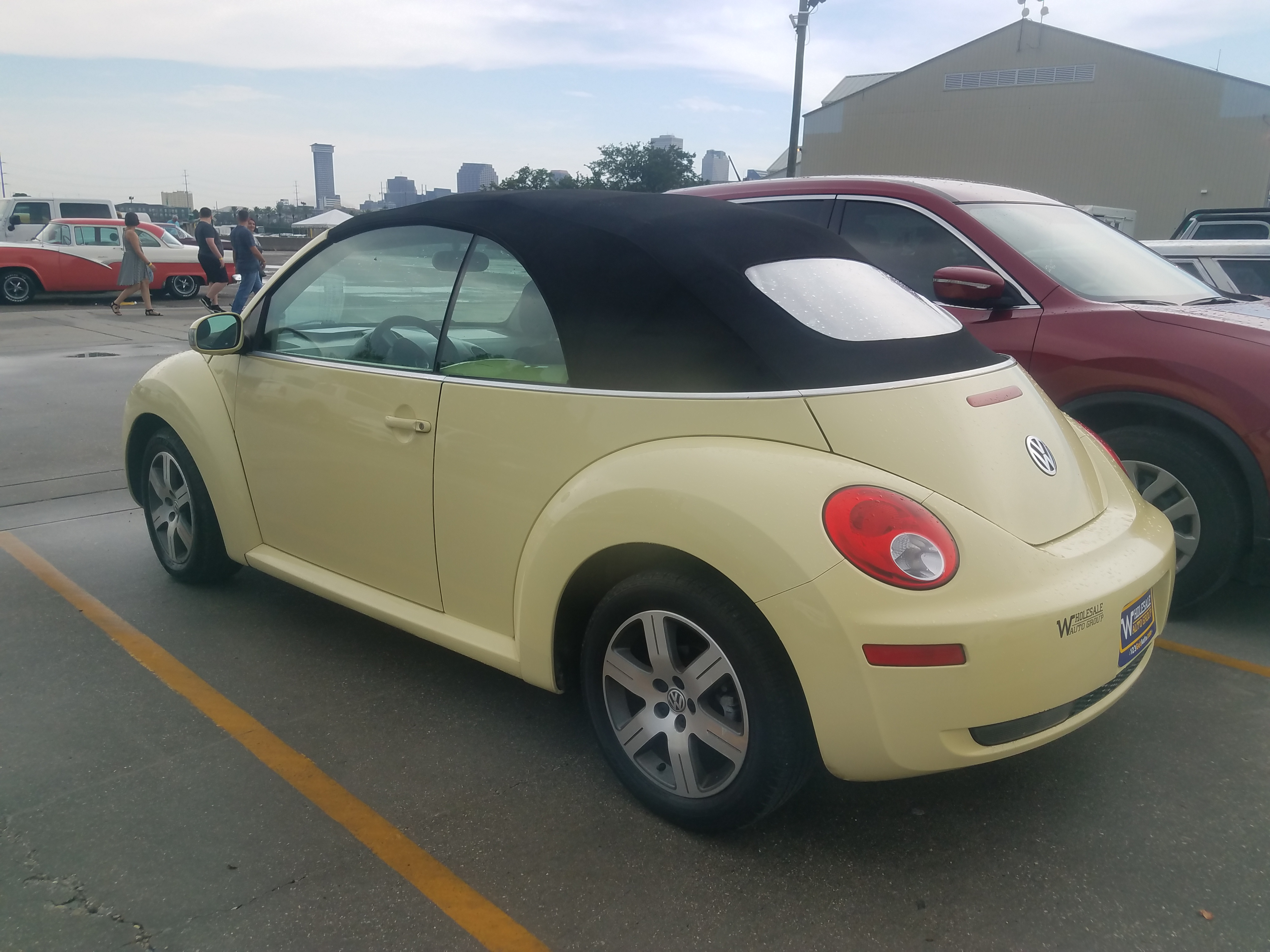 2nd Image Of A 2006 Volkswagen New Beetle 2 5