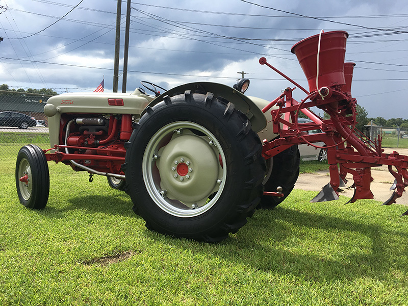 Ford 800 Tractor : Ford tractor for sale at vicari auctions new