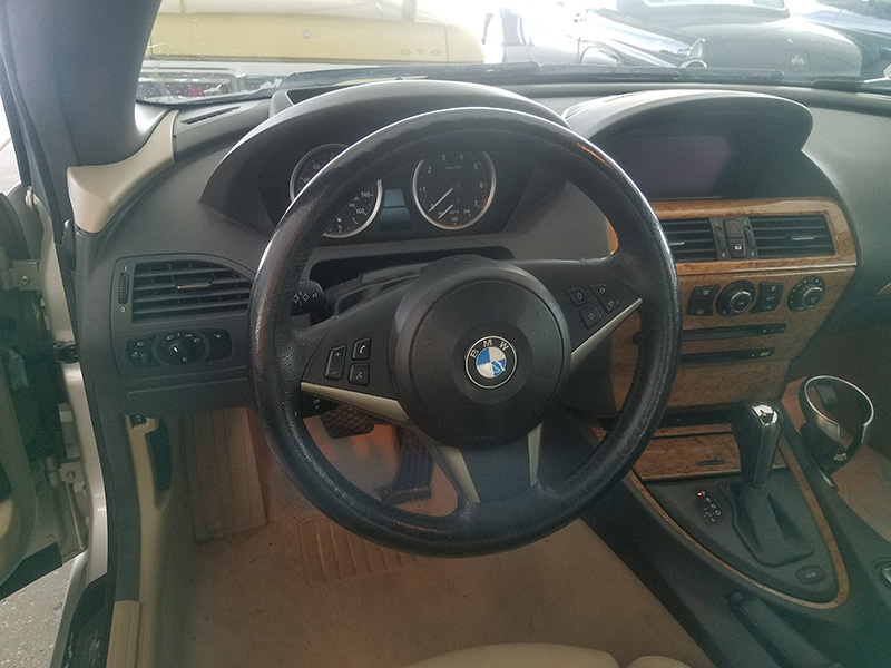 5th Image of a 2005 BMW 6 SERIES 645CIC