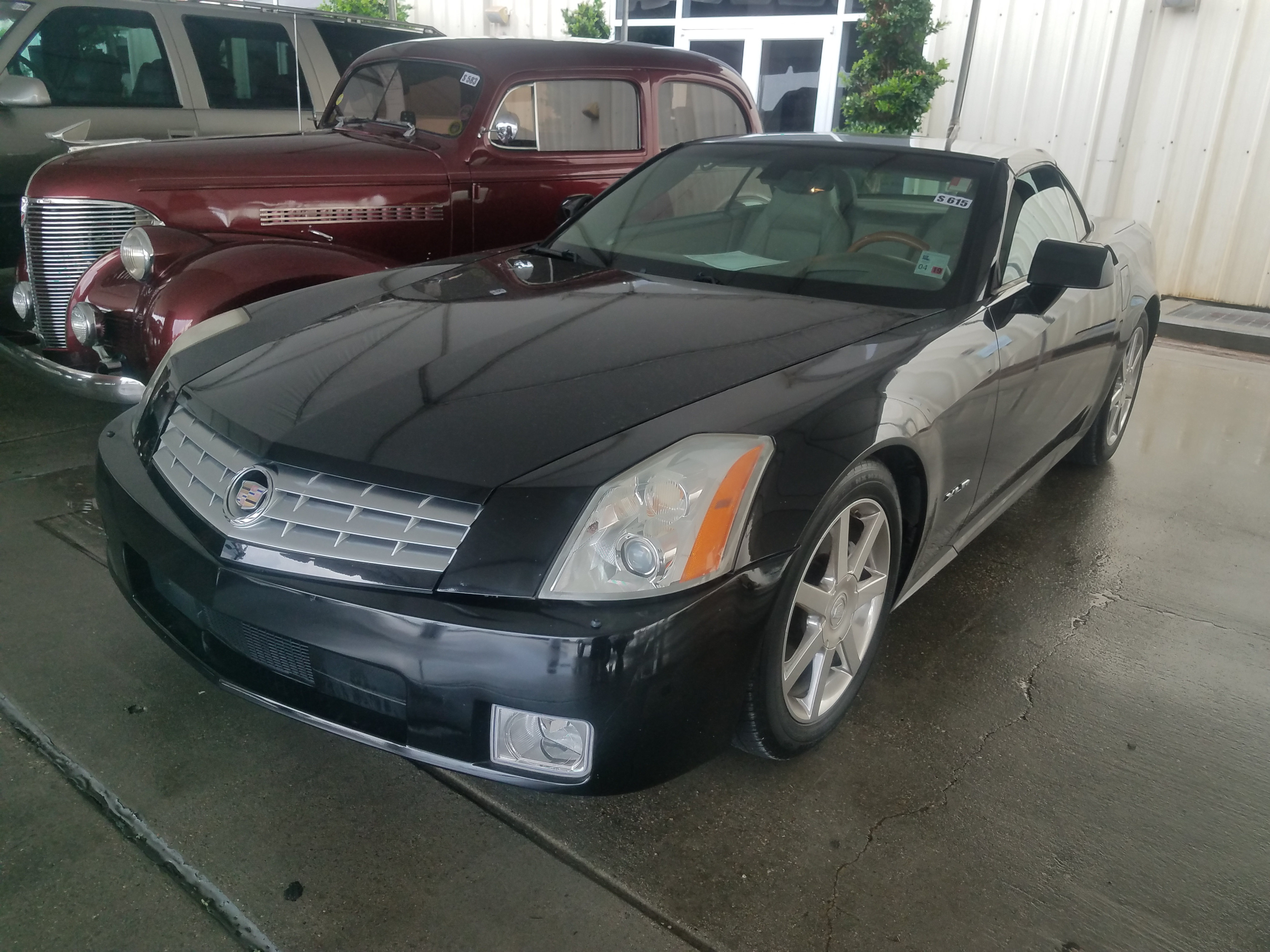 1st Image Of A 2005 Cadillac Xlr Roadster