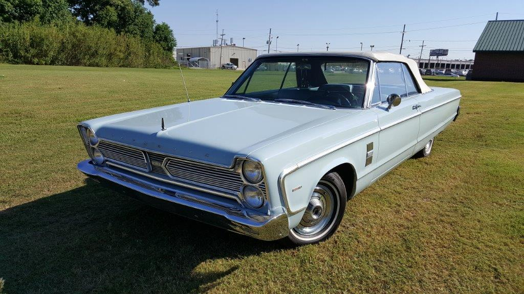 2nd Image Of A 1966 PLYMOUTH FURY III