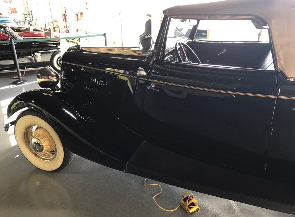 5th Image of a 1934 FORD ROADSTER CABRIOLET