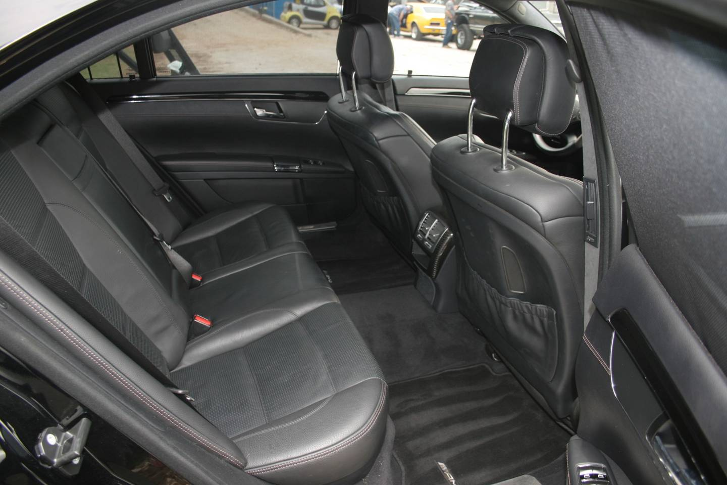 8th Image of a 2011 MERCEDES S-CLASS S63 AMG