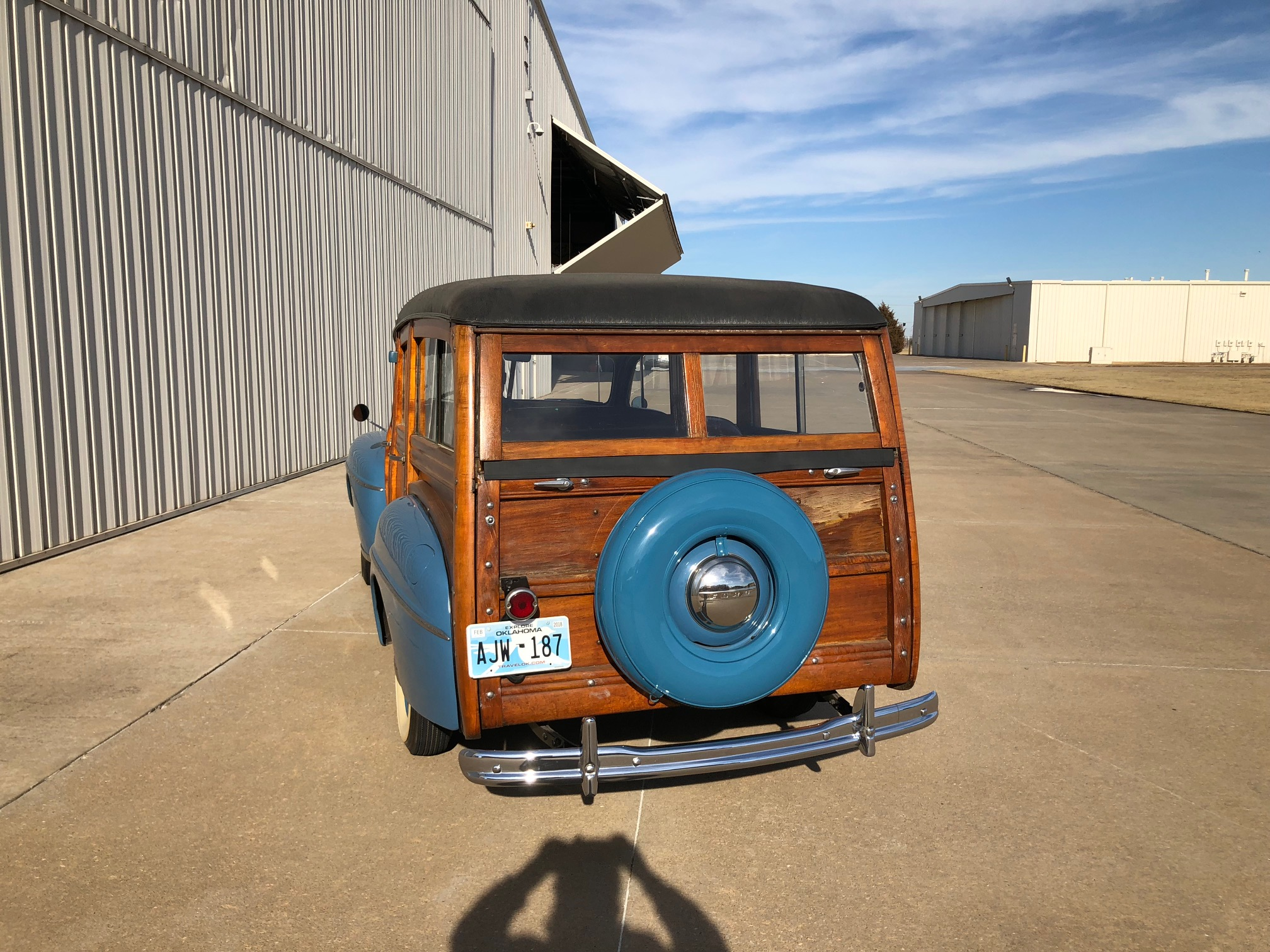 12th Image of a 1947 FORD SUPER DELUXE WOODY