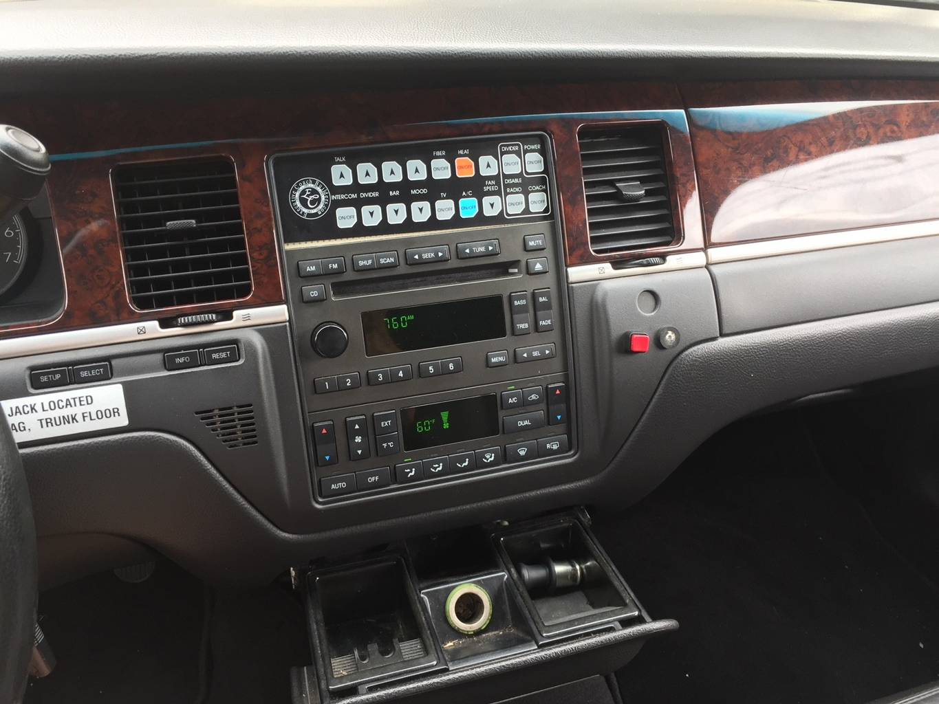 9th Image of a 2007 LINCOLN TOWN CAR EXECUTIVE