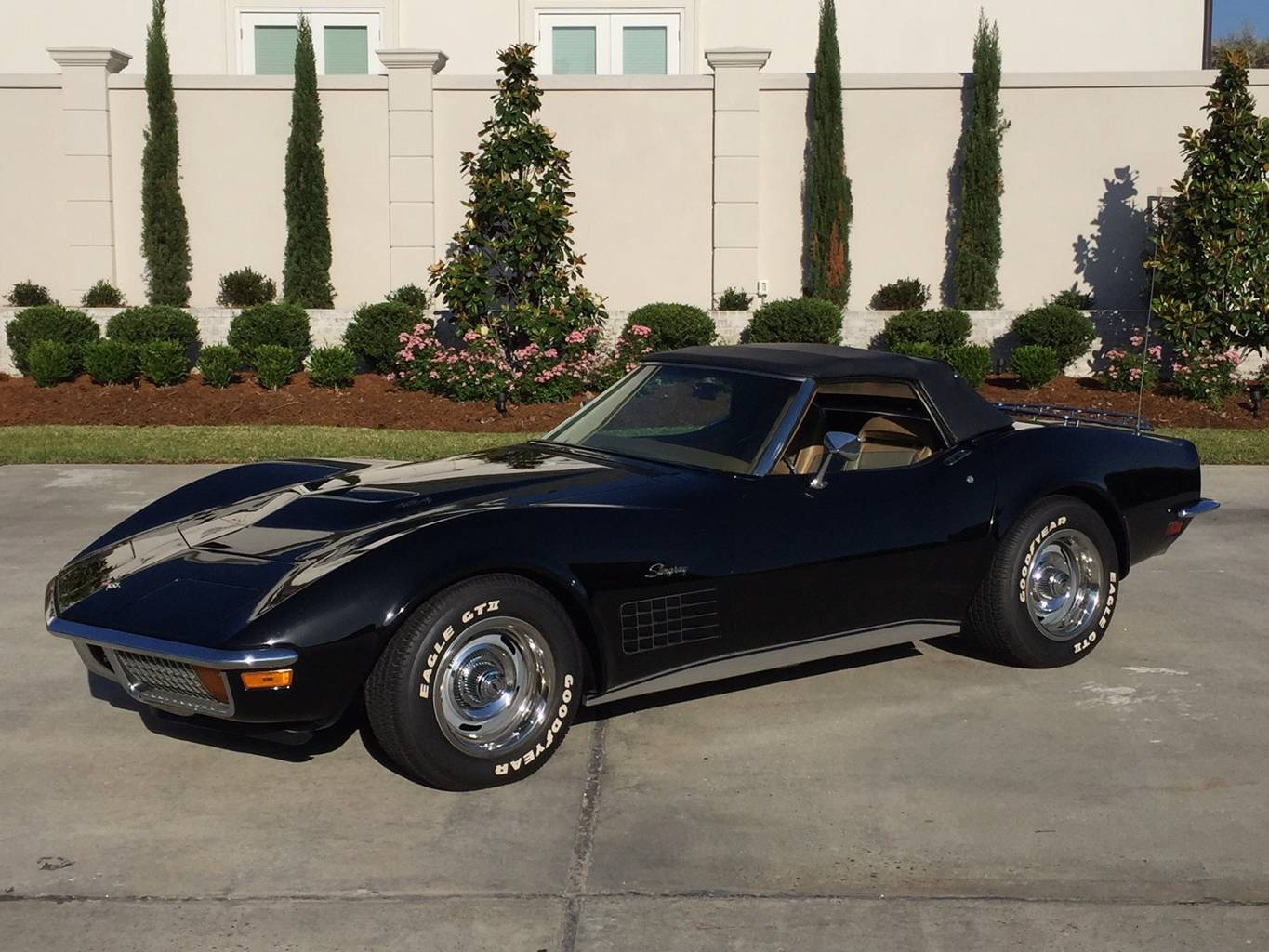 2nd Image of a 1972 CHEVROLET CORVETTE