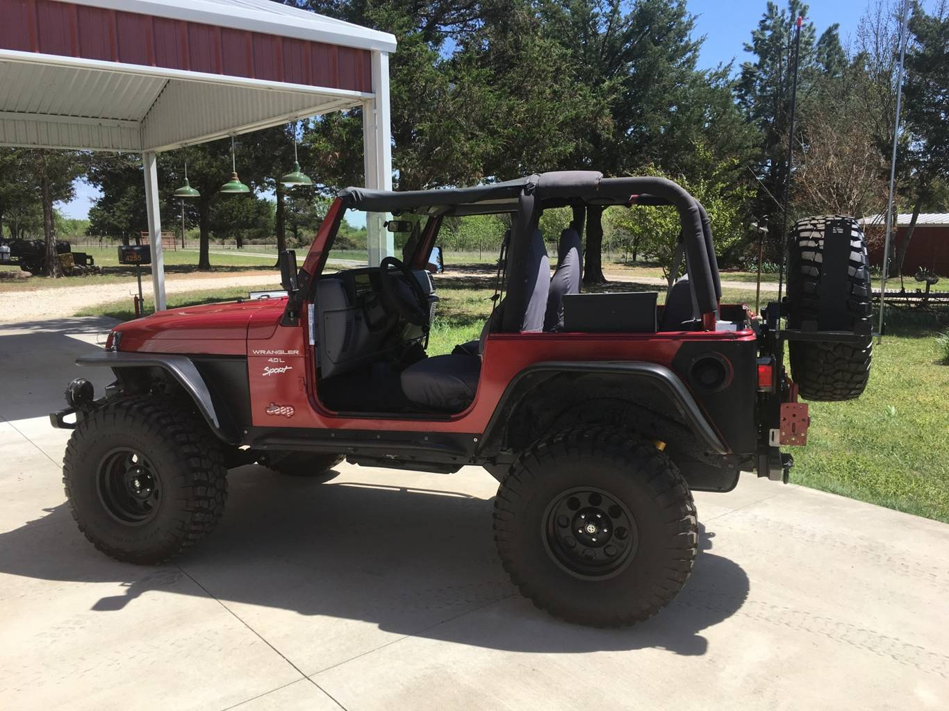 2nd Image of a 1998 JEEP WRANGLER SPORT