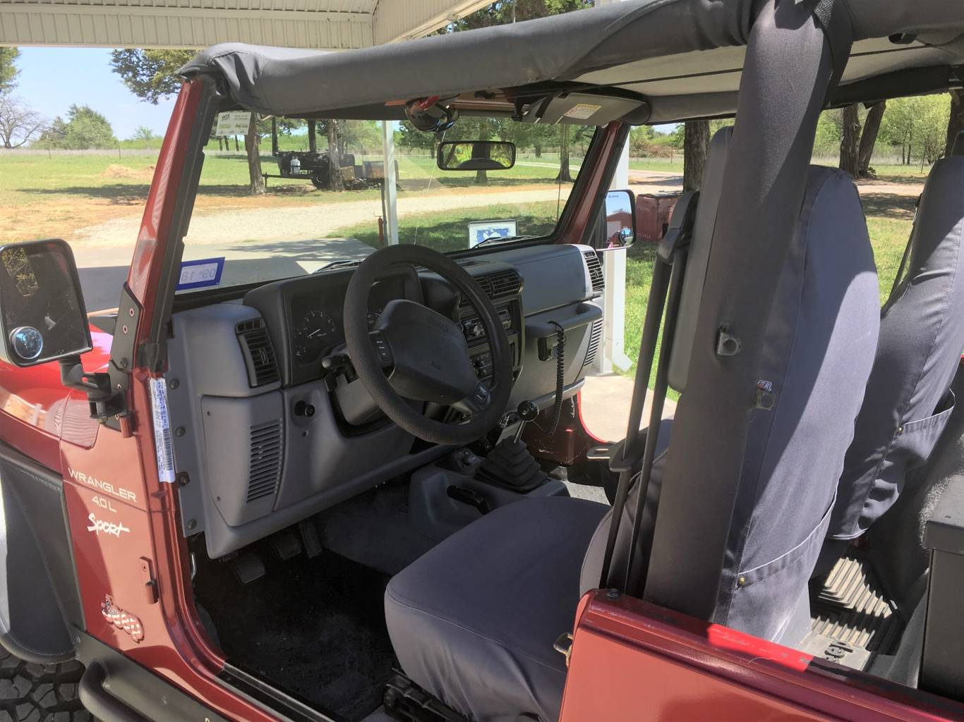 4th Image of a 1998 JEEP WRANGLER SPORT